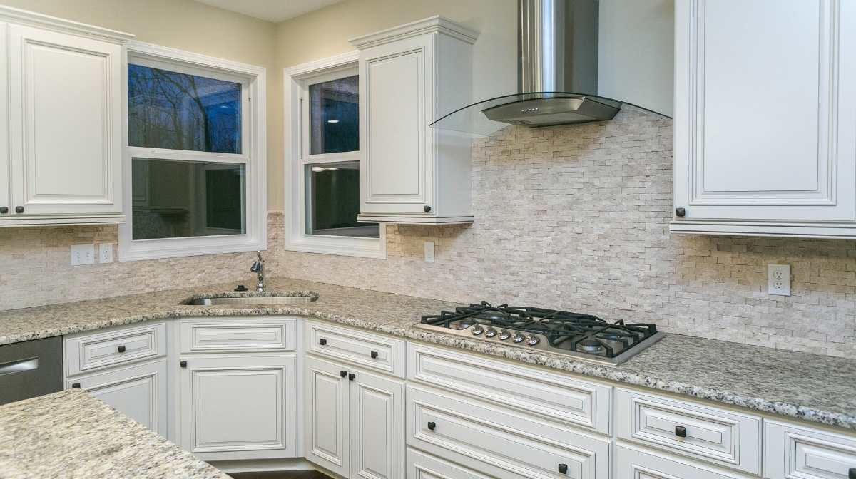 Kitchens are often at the top of new homebuyers wish lists. As they should be! Not only do kitchens add the most value to your new home but they are also ... & Custom \u0026 New Home Blog | Canton MI | Evergreen Homes | Building New ...